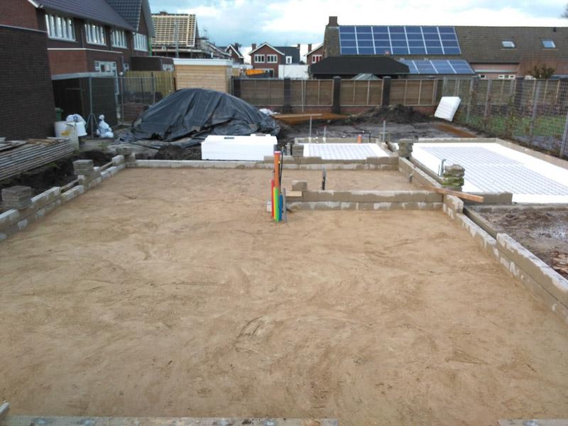 Aangevuld met geel zand en vloer isolatie jaap jansen bouw